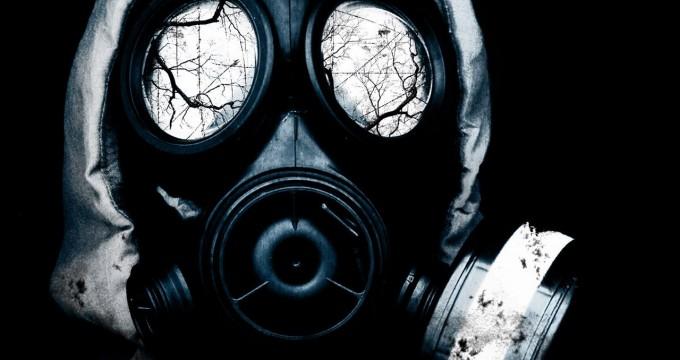 czarno-biala-maska-gazowa